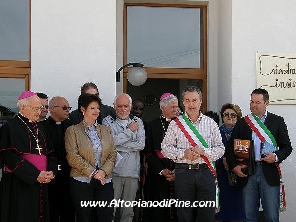 Il Sindaco di Fornace Pierino Caresia parla a nome dei sindaci View ...